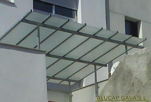 Claraboya de hierro con cristal armado carpinter a de for Persianas para claraboyas